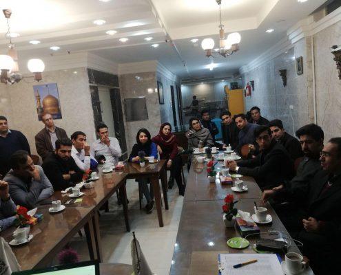 شرکت کنندگان در جلسه استارتاپونه هشتم